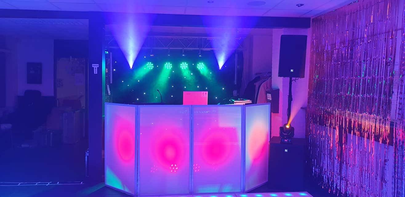Extra Large DJ show
